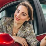 Jak jeździć, by mniej płacić za paliwo i naprawy?
